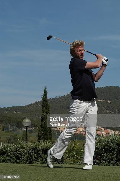 Boris Becker Mallorca Spanien Balearen Tennisspieler Sportler Golfplatz Golf spielen Golfen Golfturnier Golfschläger Sport Tennislegende Ganzkörper