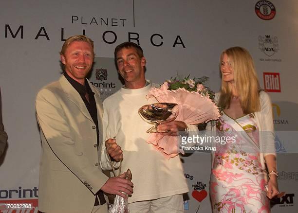 Boris Becker Schauspieler Sascha Hehn Topmodel Claudia Schiffer Bei Der B Becker Trophy Party Im Dorint Royal Golfresort Spa Auf Mallorca