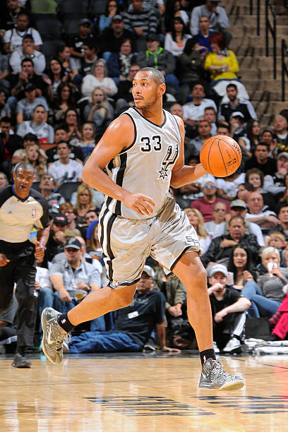 Boris Diaw of the San Antonio Spurs vs. Grizzlies