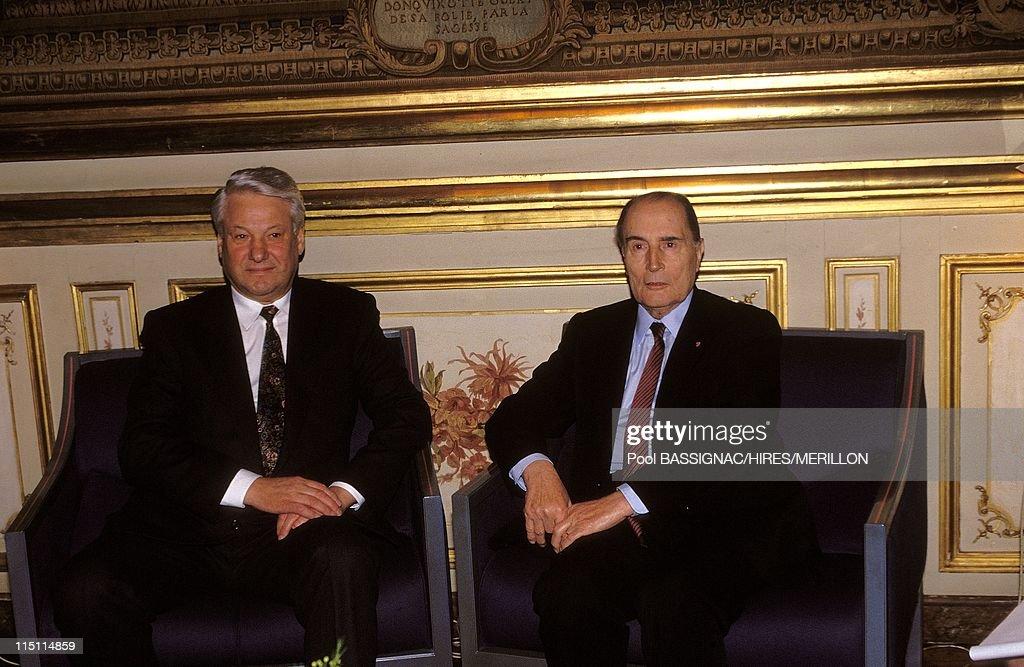 Boris Eltsine In Paris, France On February 05, 1992. : News Photo