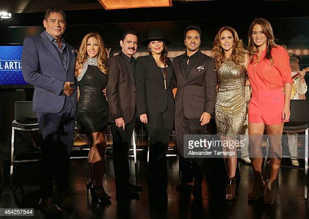Boris Izaguirre, Chiquibaby, Mario Quintero, Olga Tanon, Luis Fonsi, Lucero and Erika de la Vega attend Telemundo press conference for Yo Soy El...