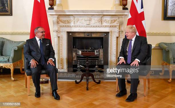Boris Johnson, U.K. Prime minister, right, speaks with Salman bin Hamad Al Khalifa, Bahrain's crown prince, during their bilateral meeting inside...
