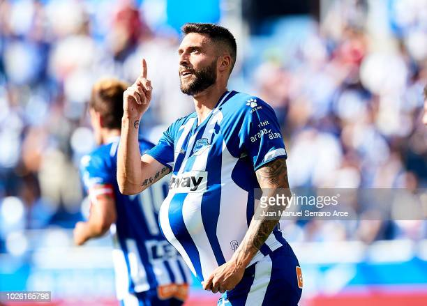Borja Gonzalez of Deportivo Alaves celebrates after scoring goal during the La Liga match between Deportivo Alaves and RCD Espanyol at Estadio de...