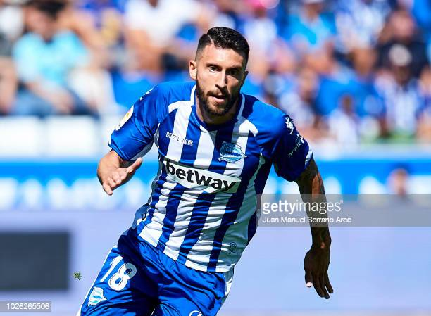 Borja Gonzalez of Deportivo Alaves in action during the La Liga match between Deportivo Alaves and RCD Espanyol at Estadio de Mendizorroza on...
