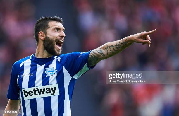 Borja Gonzalez of Deportivo Alaves reacts during the La Liga match between Athletic Club and Deportivo Alaves at San Mames Stadium on April 27 2019...