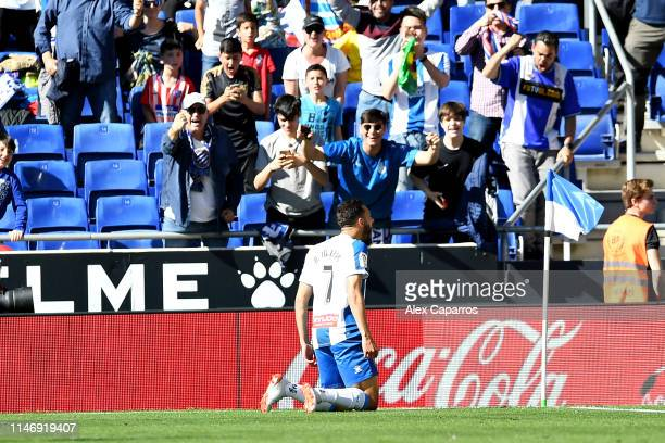 Borja Iglesias of RCD Espanyol celebrates scoring his sides second goal during the La Liga match between RCD Espanyol and Club Atletico de Madrid at...