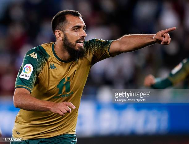 Borja Inglesias of Real Betis celebrates a goal during the spanish league, LaLiga, football match between Deportivo Alaves and Real Betis Balompie at...