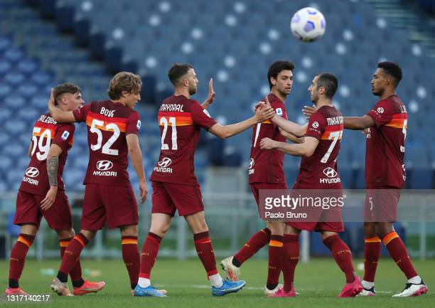 Borja Mayoral of A.S Roma celebrates with team mates after scoring their side's fifth goal during the Serie A match between AS Roma and FC Crotone at...