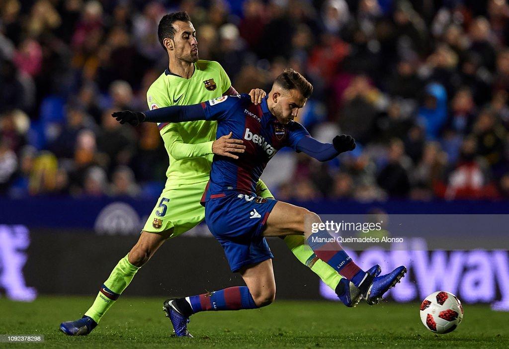 Levante v FC Barcelona - Copa del Rey Round of 16 : News Photo