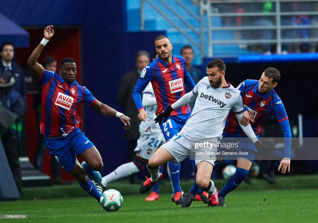 SD Eibar SAD v Levante UD  - La Liga : ニュース写真