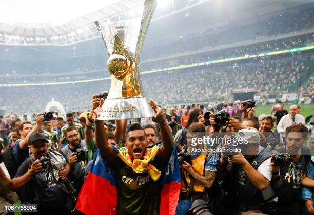 Borja of Palmeiras celebrates after winning the Brasileirao 2018 after the match against Vitora at Allianz Parque Stadium on December 02 2018 in Sao...