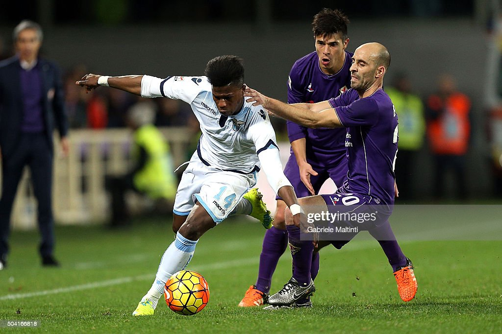 Borja Valero of ACF Fiorentina battles for the ball with Keita Balde of SS Lazio during the Serie A match between ACF Fiorentina and SS Lazio at Stadio Artemio Franchi on January 9, 2016 in Florence, Italy.