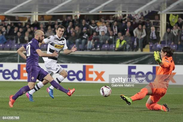 Borja Valero of ACF Fiorentina scores a goal during the UEFA Europa League Round of 32 second leg match between ACF Fiorentina and Borussia...