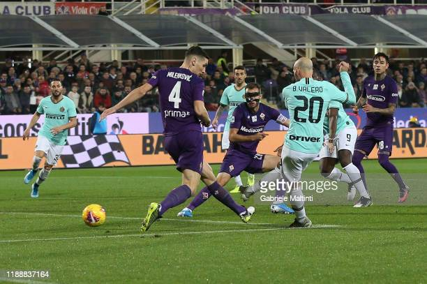 Borja Valero of FC Internazionale scores the opening goal during the Serie A match between ACF Fiorentina and FC Internazionale at Stadio Artemio...