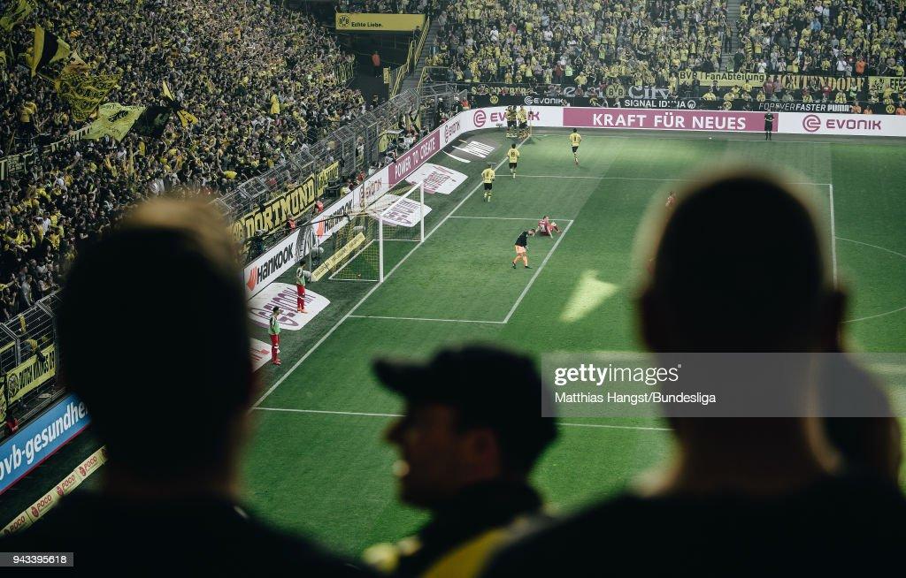 Borussia Dortmund celebrate the third goal during the Bundesliga match between Borussia Dortmund and VfB Stuttgart at Signal Iduna Park on April 8, 2018 in Dortmund, Germany.