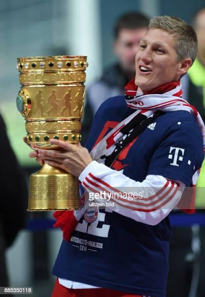 FUSSBALL DFB Borussia Dortmund FC Bayern Muenchen Bastian Schweinsteiger jubelt