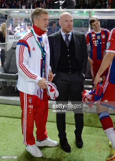 FUSSBALL DFB Borussia Dortmund FC Bayern Muenchen Bastian Schweinsteiger und Sportvorstand Matthias Sammer