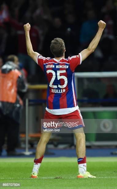 FUSSBALL DFB Borussia Dortmund FC Bayern Muenchen Bayern Muenchen Thomas Mueller nach sein Tor zum 20