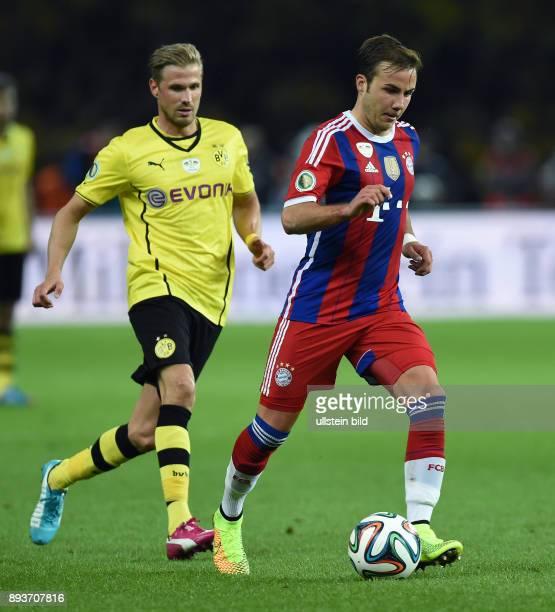 FUSSBALL DFB Borussia Dortmund FC Bayern Muenchen Mario Goetze gegen Oliver Kirch