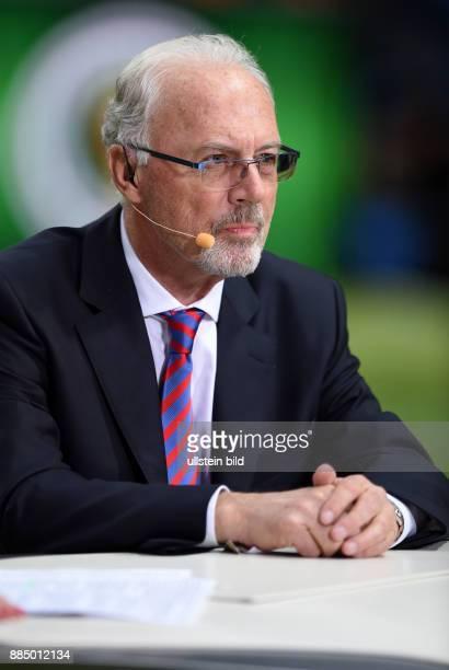 FUSSBALL DFB Borussia Dortmund FC Bayern Muenchen TV Experte Franz Beckenbauer traegt noch immer Bart