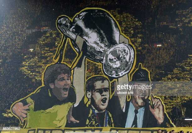 FUSSBALL Borussia Dortmund Juventus Turin Die Fans von Borussia Dortmund erinnern mit einer Choreografie an den damaligen Gewinn der Champions League...