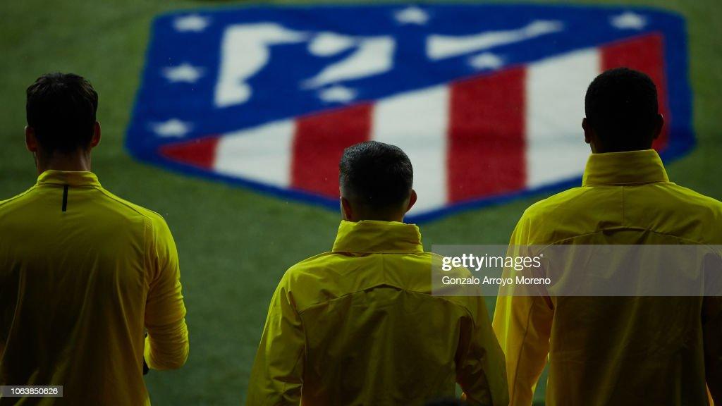 Borussia Dortmund Training Session and Press Conference : News Photo