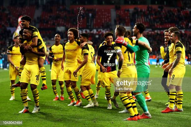 Borussia Dortmund players celebrate their 24 victory after the Bundesliga match between Bayer 04 Leverkusen and Borussia Dortmund at BayArena on...