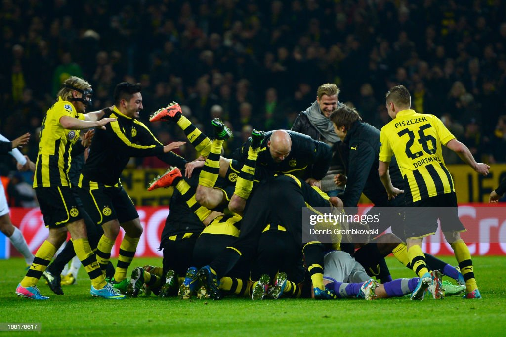 Borussia Dortmund players celebrates victory and a place in the semi-finals in the UEFA Champions League quarter-final second leg match between Borussia Dortmund and Malaga at Signal Iduna Park on April 9, 2013 in Dortmund, Germany.