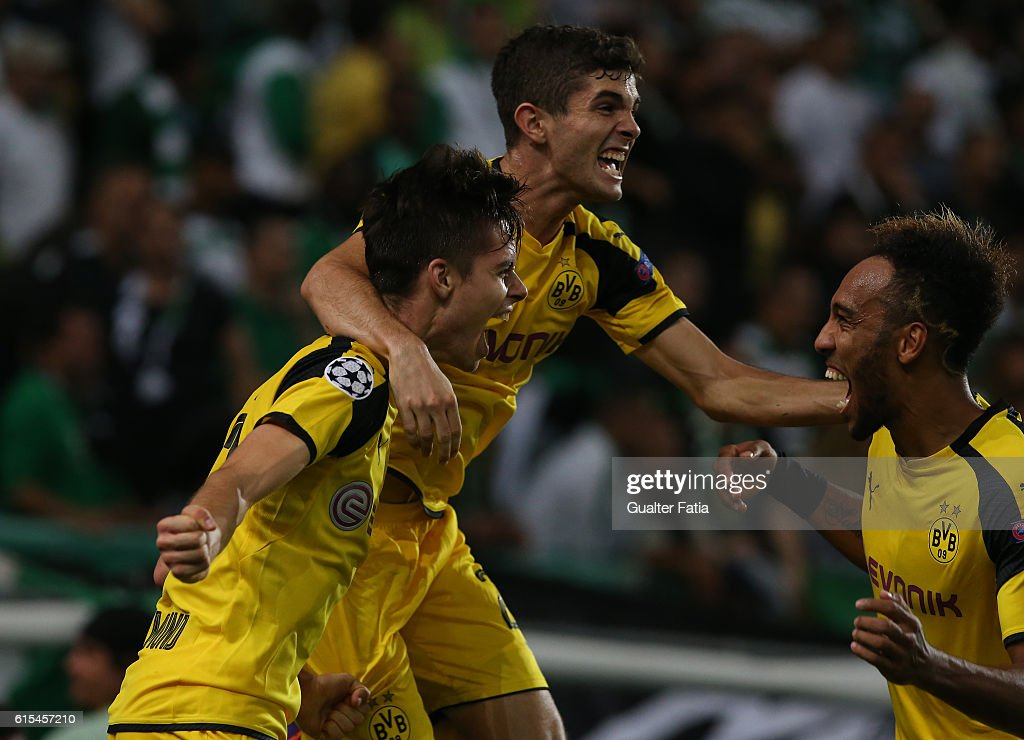 Sporting Clube de Portugal v Borussia Dortmund - UEFA Champions League : News Photo