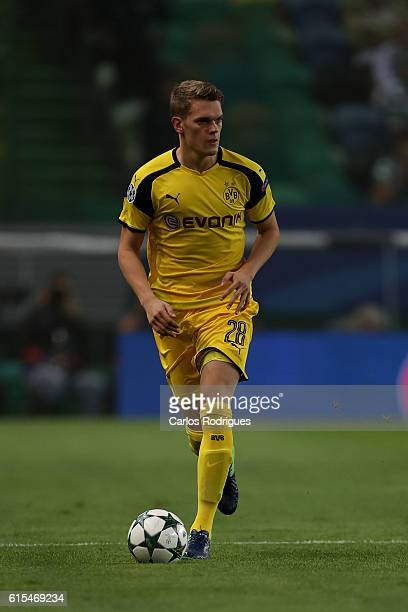 Borussia Dortmund's midfielder Matthias Ginter from Germany during the Sporting Clube de Portugal v Borussia Dortmund UEFA Champions League round...