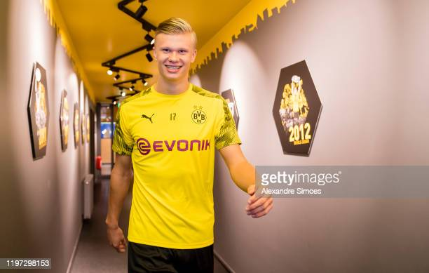 Borussia Dortmunds new signing Erling Haaland during his arrival at the clubs training center on January 03 2020 in Dortmund Germany