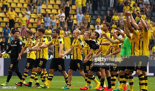 Borussia Dortmund's players celebrate after their Bundesliga soccer match between Borussia Dortmund and FSV Mainz 05 at the SignalIduna stadium in...