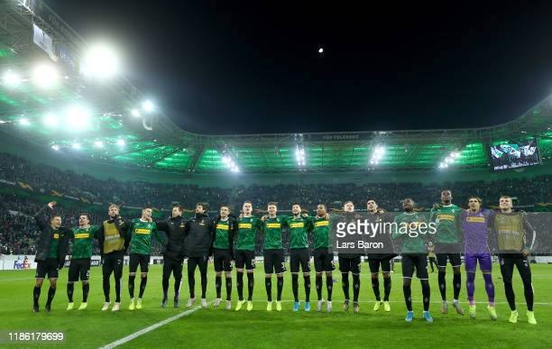 Borussia Moenchengladbach celebrate victory during the UEFA Europa League group J match between Borussia Moenchengladbach and AS Roma at BorussiaPark...
