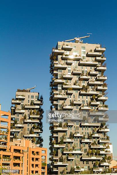 bosco verticale buildings in milan (italy) - pjphoto69 stock pictures, royalty-free photos & images