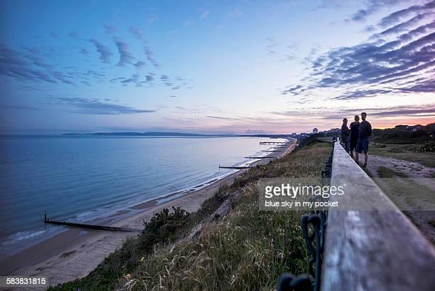 boscombe cliffs at sunset - ボスコム ストックフォトと画像