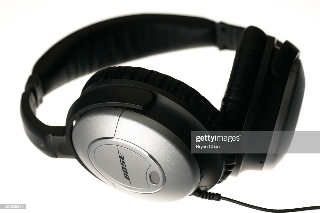 bose quietcomfort 2 noise canceling headphones pictures getty images rh gettyimages com bose quietcomfort 2 instruction manual bose quietcomfort 2 manual