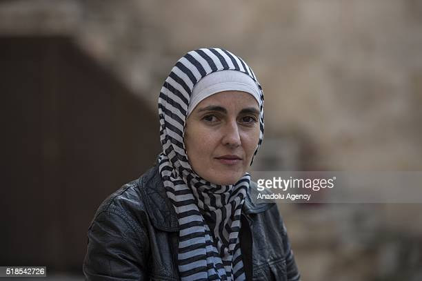 Bosnian film director Aida Begic talks to journalists about civil war in Syria and drama lessons which she gives to Syrian refugees children in...