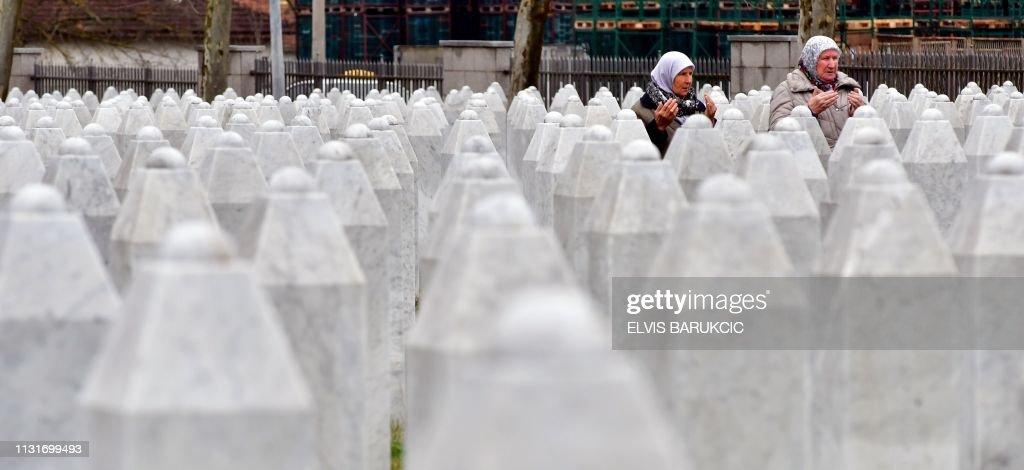 BOSNIA-SERBIA-CONFLICT-KARADZIC : Nachrichtenfoto