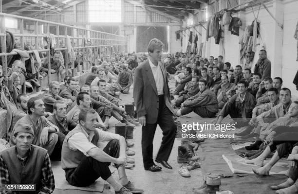 la guerre entre Serbes Bosniaques et Croates dans l'ancienne Yougoslavie ravagée par la guerre civile Les Serbes de Bosnie ont ouvert des camps à...