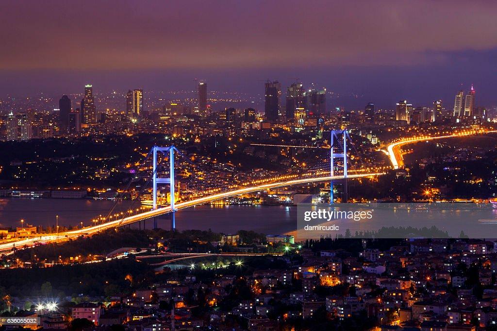 Puente del Bósforo, Istanbul  : Foto de stock