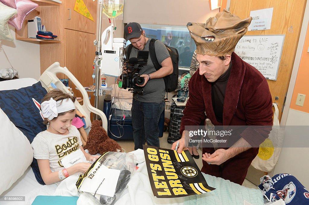 Bruins Visit Boston Children's Hospital to Celebrate Halloween : News Photo
