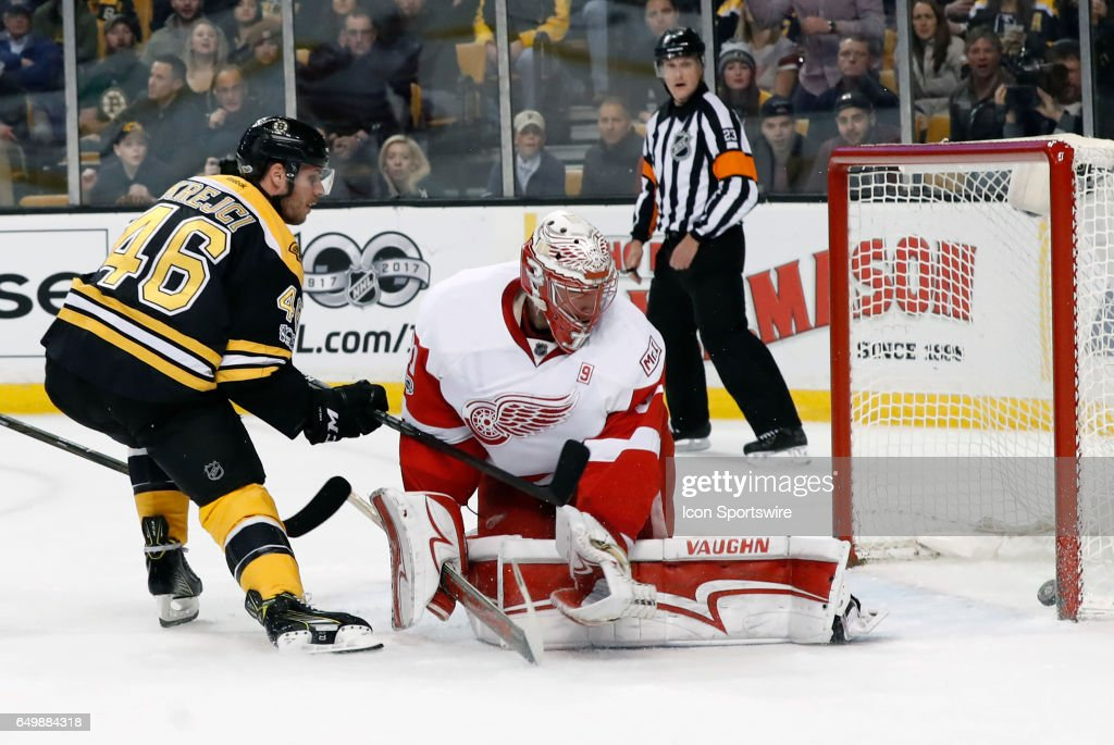 NHL: MAR 08 Red Wings at Bruins : News Photo