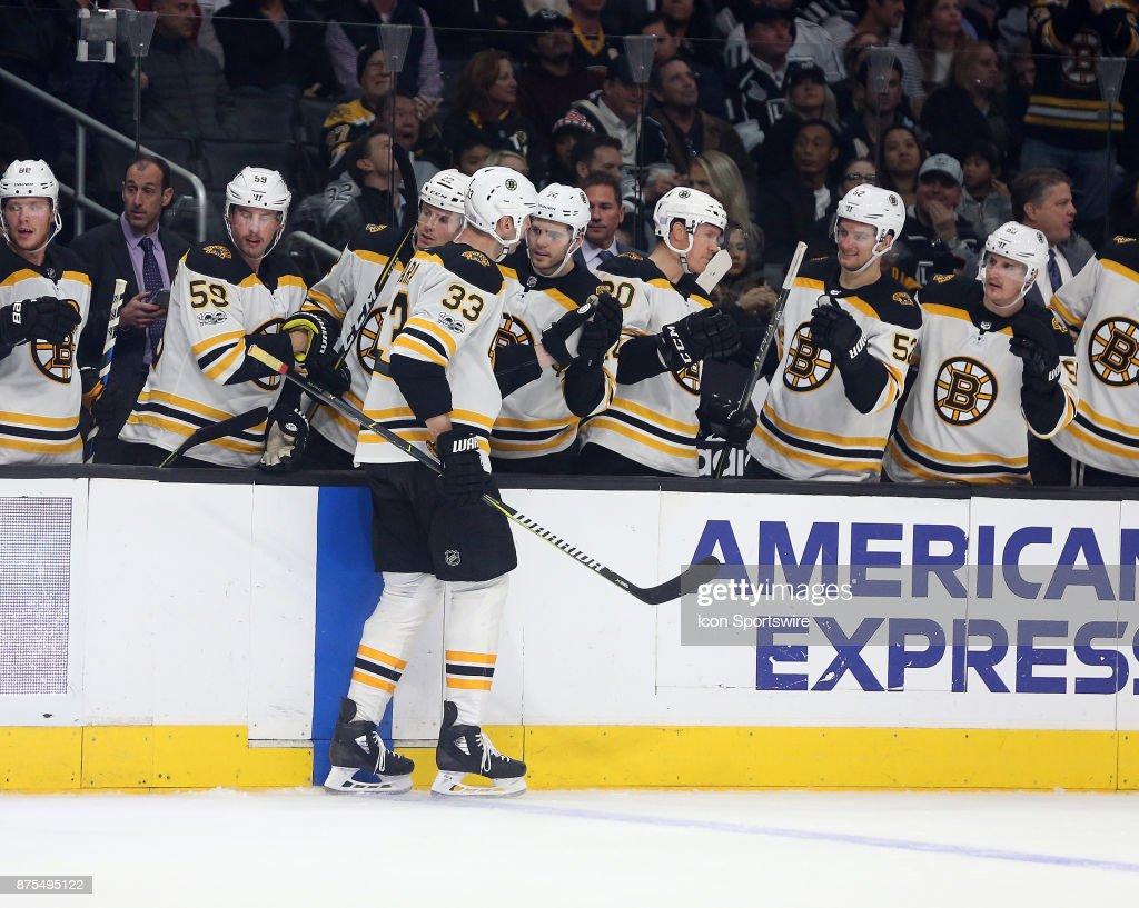NHL: NOV 16 Bruins at Kings : News Photo