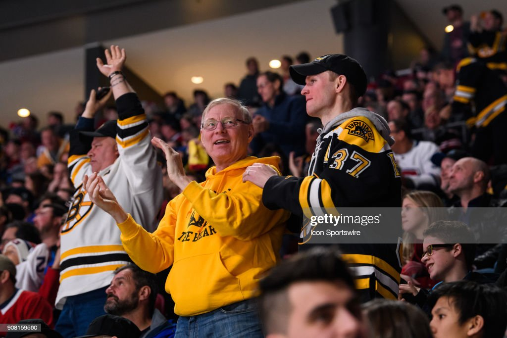 NHL: JAN 20 Bruins at Canadiens : News Photo