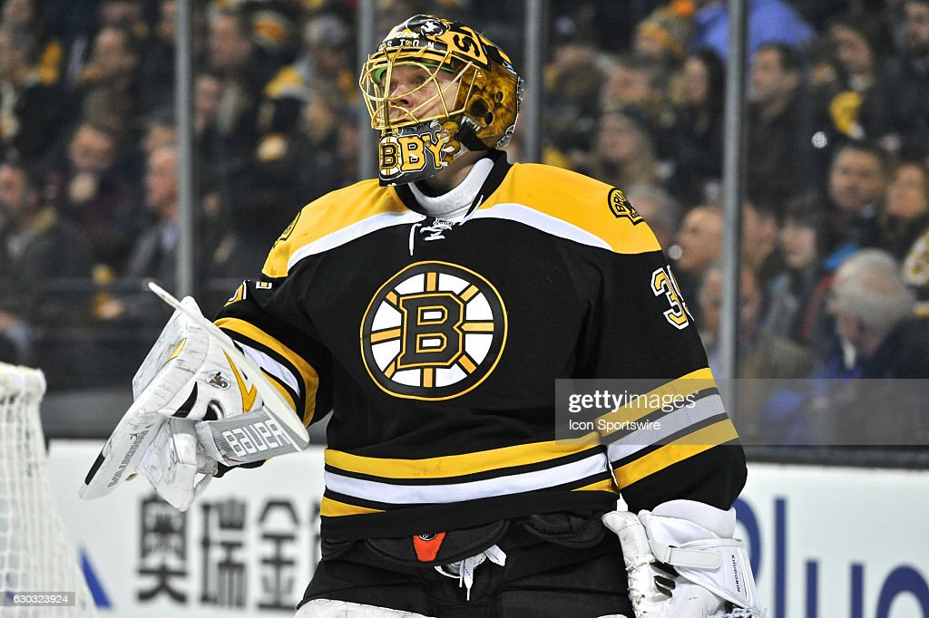 NHL: DEC 20 Islanders at Bruins : News Photo