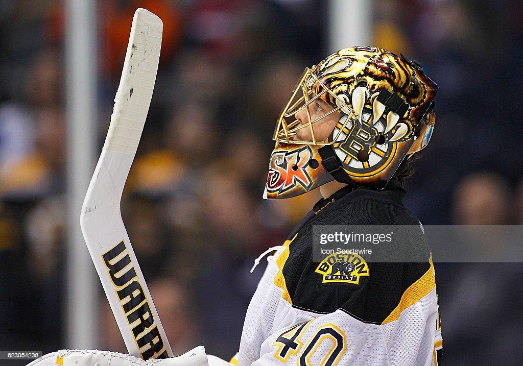 NHL: NOV 13 Bruins at Avalanche : News Photo