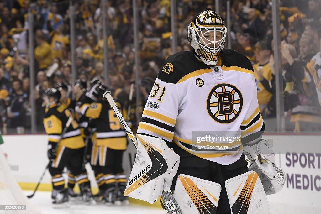 NHL: JAN 22 Bruins at Penguins : News Photo