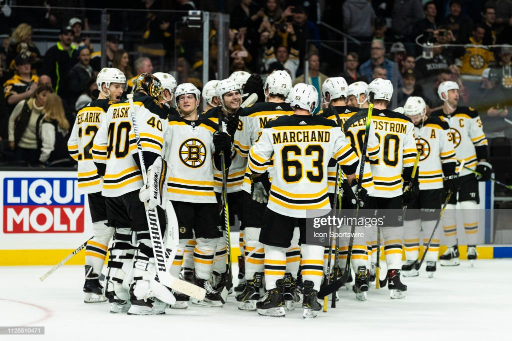 NHL: FEB 16 Bruins at Kings : News Photo