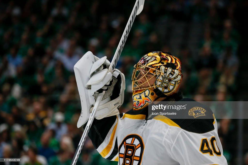NHL: OCT 03 Bruins at Stars : News Photo