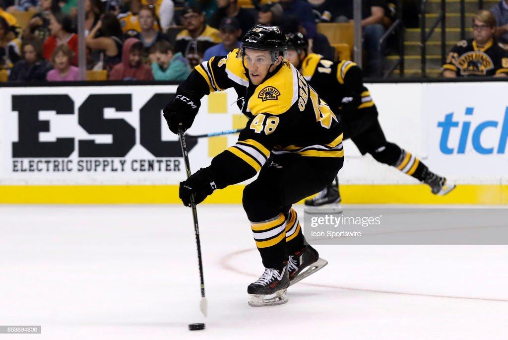 NHL: SEP 25 Preseason - Blackhawks at Bruins : News Photo